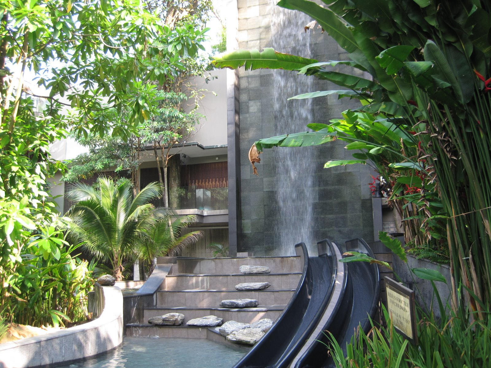 Review of siloso beach resort in sentosa janeeeee 39 s blog - Siloso beach resort swimming pool ...